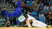 Der deutsche Judo-Kämpfer Igor Wandkte (r.) gegen den Haitianer Josue Deprez. © picture alliance/GES-Sportfoto
