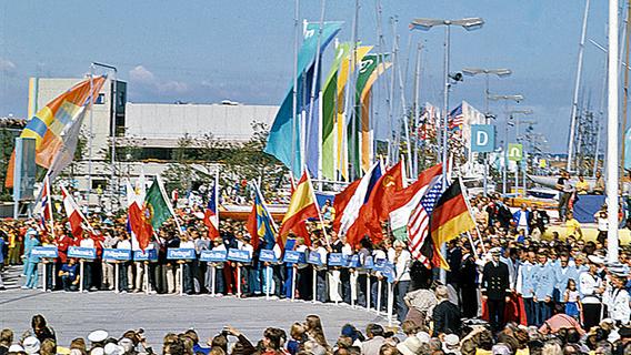 Eröffnung der Segelwettbewerbe der Olympischen Sommerspiele 1972 in München am Austragungsort Kiel. © picture-alliance/ dpa