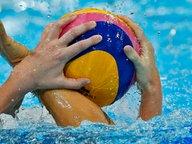 Kampf um den Wasserball © dpa - Bildfunk Fotograf: Kerim Okten
