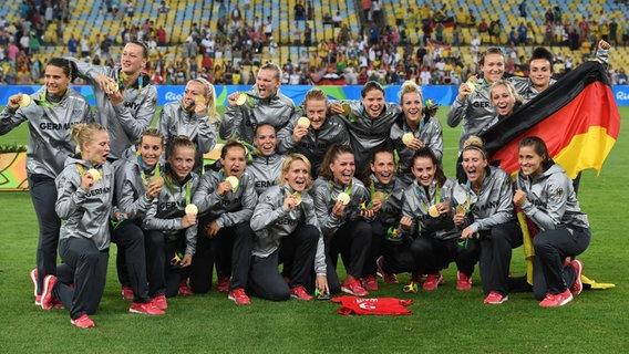 Deutschland jubelt mit seinen Goldmedaillen  Foto: Soeren Stache