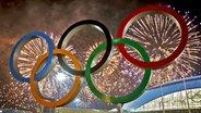 Die olympischen Ringe im Feuerwerk