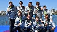 Die deutschen Ruder-Männer freuen sich über Silber im Achter. © dpa - Bildfunk Fotograf: Soeren Stache